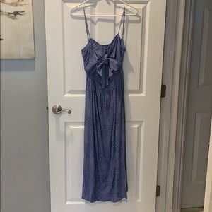 Tied blue patterned dress